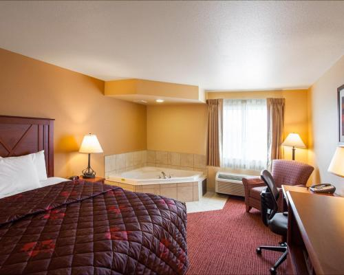 Rodeway Inn & Suites Phillipsburg - Phillipsburg, KS 67661