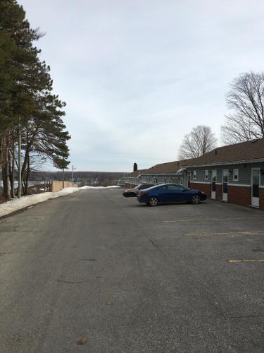 Shamrock Motel - Midland, ON L4R 2E9
