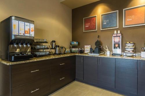 Comfort Inn & Suites Edmonton International Airport