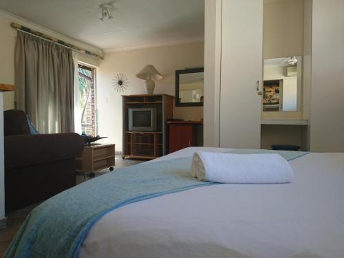 Razel Lodge Photo
