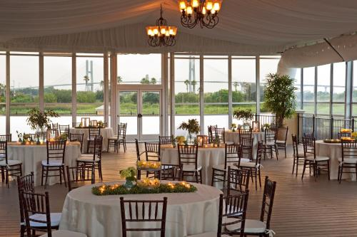 Westin Savannah Harbor Golf Resort & Spa Photo