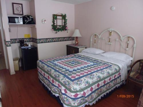 The Victorian Motel & Rv Park - Grand Forks, BC V0H 1H9