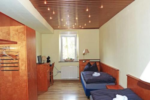 Messe-Zimmer TuS-Treff photo 13