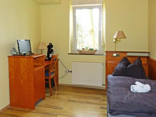Messe-Zimmer TuS-Treff photo 38