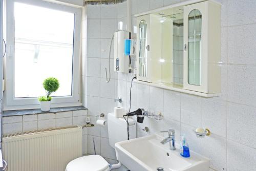 Messe-Zimmer TuS-Treff photo 47