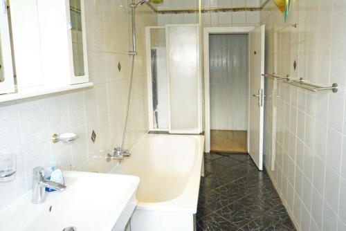 Messe-Zimmer TuS-Treff photo 48