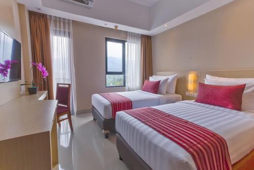 grand diara hotel puncak in indonesia rh priceline com