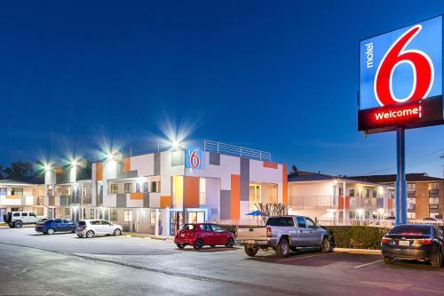 Motel 6 Austin South - Airport - Austin, TX 78741