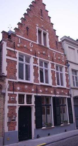 Moerstraat 24, 8000 Bruges, Belgium.