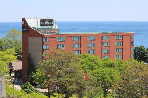 Waterfront Hotel - Burlington, ON L7R 4G8