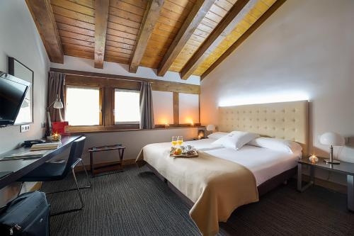 Habitación Doble - 1 o 2 camas - Ático - Uso individual Hotel Dolarea 30