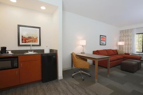 Hampton Inn & Suites Camarillo Photo