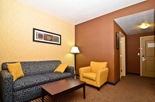 Comfort Suites Near Industry Hills Expo Center Photo