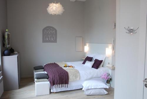 lille a part gites urbains location saisonni re 9 rue du pont neuf 59000 lille adresse. Black Bedroom Furniture Sets. Home Design Ideas
