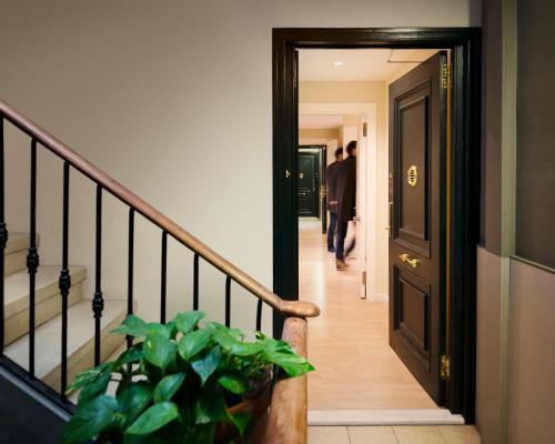 Enjoybcn Miro Apartments photo 48