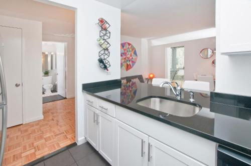 luxurious two bedroom apartment in doorman building lincoln center - Lincoln Center Kitchen