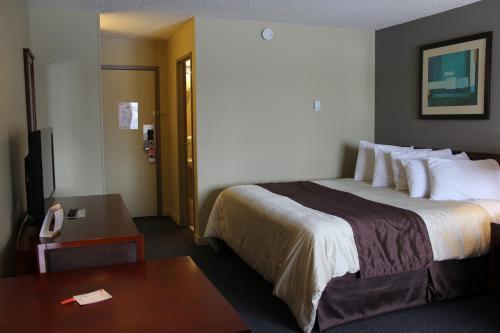 Broadway Lodge Hotel - Yorkton, SK S3N 3K7