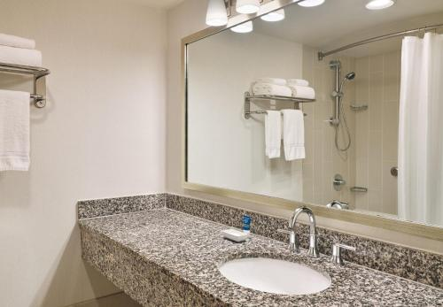 Four Points by Sheraton Bellingham Hotel & Conference Center Photo