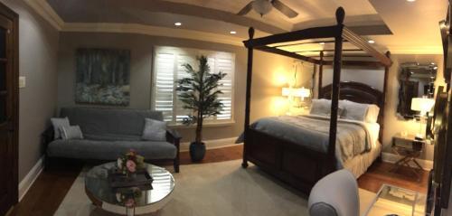 Louisiana Cajun Mansion Photo