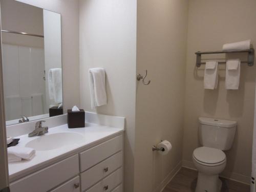Waterwalk Hotel Apartments - Wichita, KS 67213