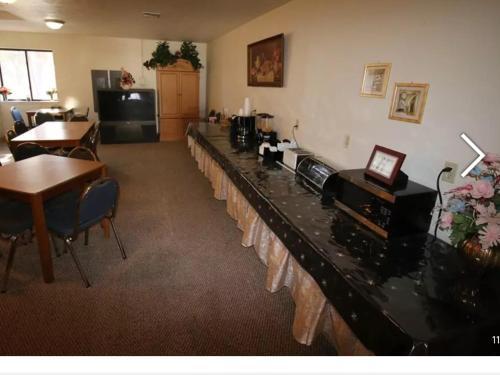 Coronado Motel & Rv Park - Lindsborg, KS 67456