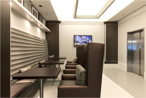 Global Luxury Suites at Howard Street photo 4