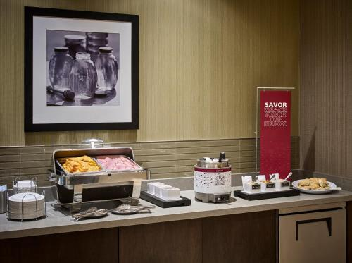 Hampton Inn By Hilton Sarnia-point Edward - Sarnia, ON N7T 7W8