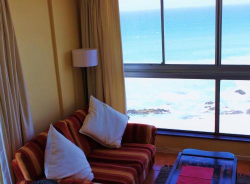 7 Views Self Catering Beachfront Apartment Photo