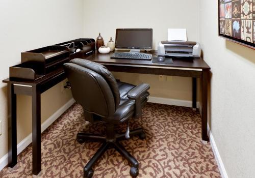 Hawthorn Suites East Wichita