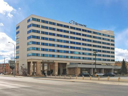 The Rushmore Hotel & Suites Photo