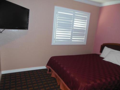 Americas Best Value Inn-Seaside North Photo