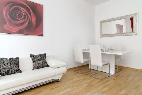 Grand Central Mitte Apartment photo 21