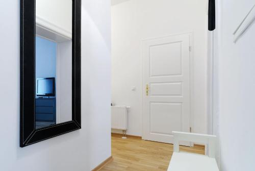 Grand Central Mitte Apartment photo 25