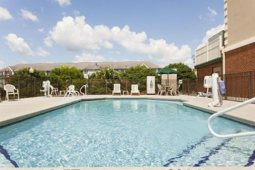 Country Inn & Suites by Radisson, Tifton, GA Photo