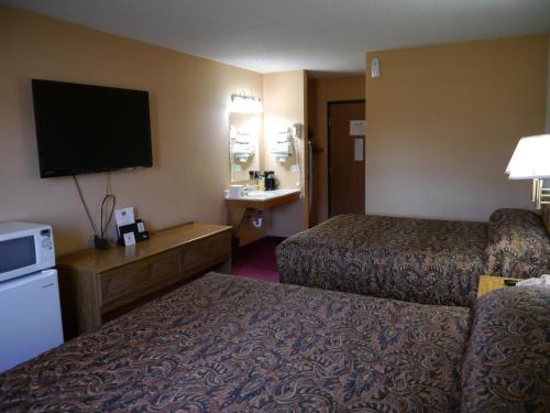 Westwood Inn & Suites - Kimball - Kimball, SD 57355