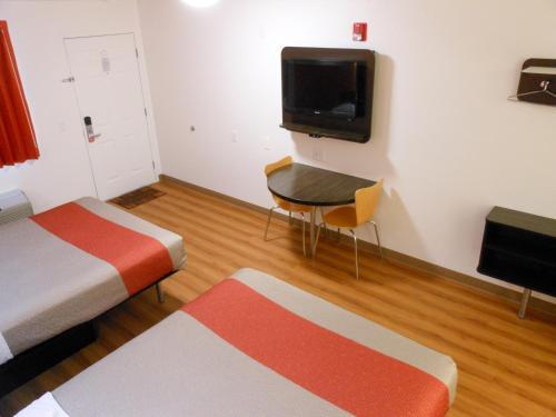 Motel 6 Fallon Photo