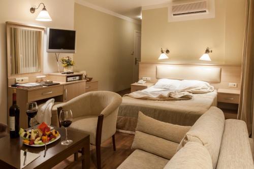 Ayvalık Bay Nihat Hotel Lale tatil
