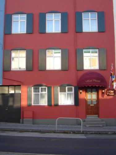 Laugavegur 140, 105 Reykjavik, Iceland.