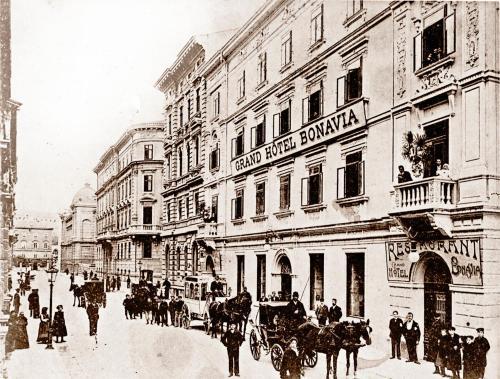 Dolac 4, 51000, Rijeka, Croatia.