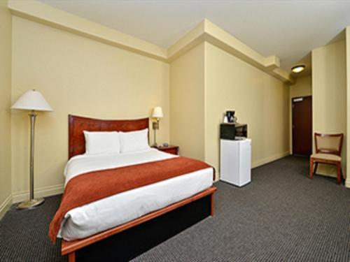 Colorado's Blue Spruce Inn Photo