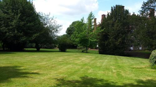 Hintlesham, George Street, Ipswich, Suffolk, England, United Kingdom, IP8 3NS.