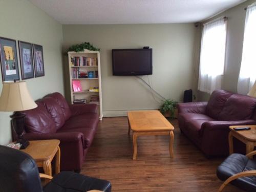 Laura's Lodge - Saskatoon, SK S7N 0W1