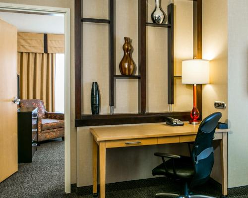 Cambria Hotels Ft Collins Photo