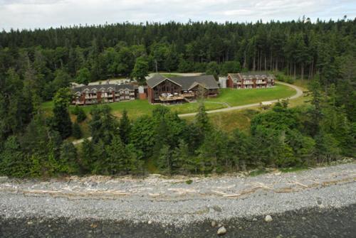 Tsa-kwa-luten Lodge - Quathiaski Cove, BC V0P 1N0