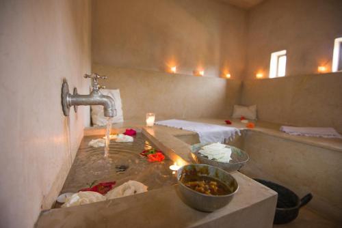 Derb Manchoura, N° 16, Marrakech, 40000, Morocco.
