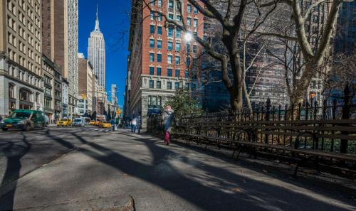 145 East 47th Street, New York, 10017, United States.