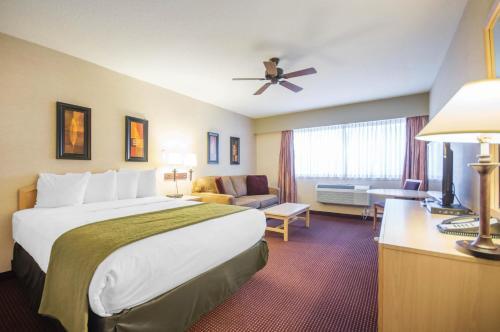 Quality Resort Bayside Parksville Photo