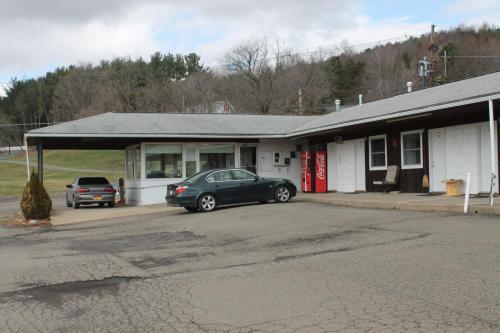 Troy Motel - Troy, PA 16947