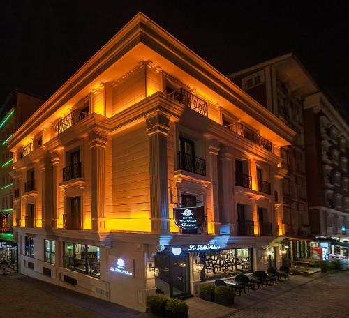 Istanbul Le Petit Palace Hotel ulaşım