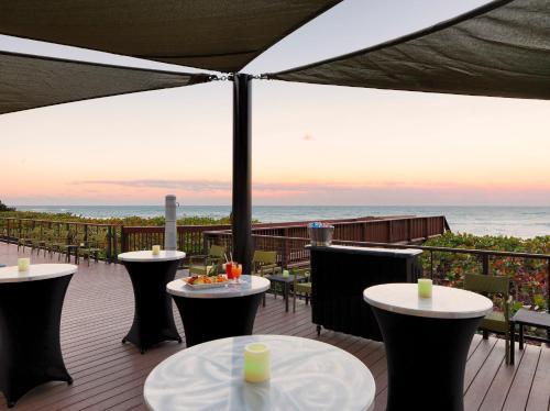 DoubleTree Suites by Hilton Melbourne Beach Oceanfront Photo